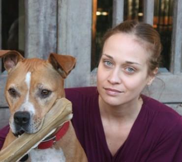 米歌手フィオナ・アップル愛犬を看取る為にコンサート延期を知らせる公開レターをフェースブックで公開