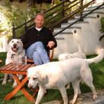 米俳優ケビン・コスナー、カリフォルニアで安楽死されそうになっていた犬達を救出!